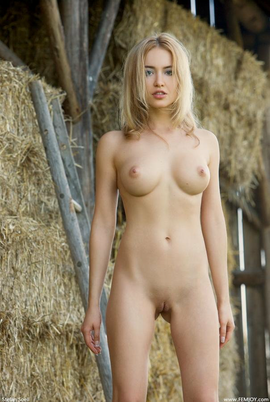 Young nude petites in tight clothes