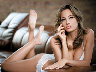 Banhidi Vivien in lingerie