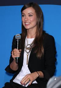 Olivia Wilde at the Blackberry booth at the 2011 CES in Las Vegas n December 7, 2011
