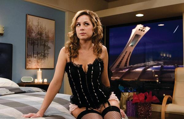 Jenna Fischer in lingerie