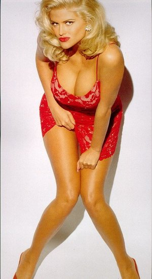 Anna Nicole Smith in lingerie