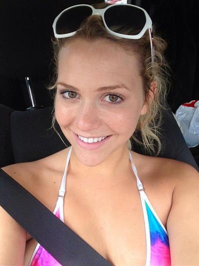 Mia Malkova taking a selfie